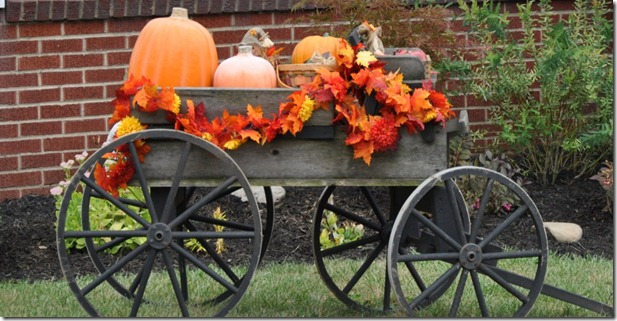 first-neighborhood-fall-display-1024x508