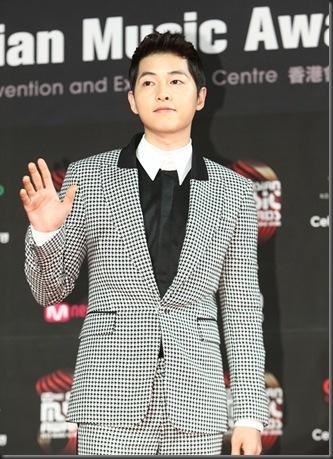 song-joong-ki-mama-2012-01