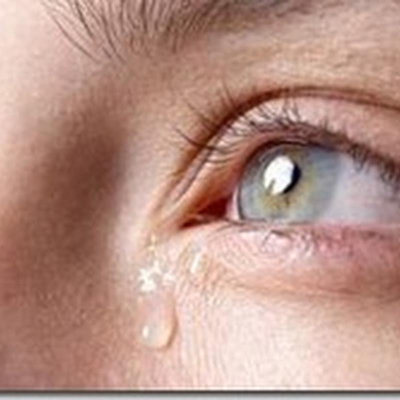 البكاء والدموع يجعل عينيك اكثر صحة