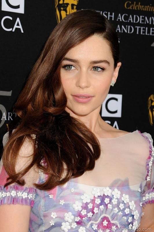 emilia-clarke- Daenerys-Targaryen-linda-sexy-game-of-trhones-guerra-dos-tronos-sexta-proibida-desbaratinando (57)