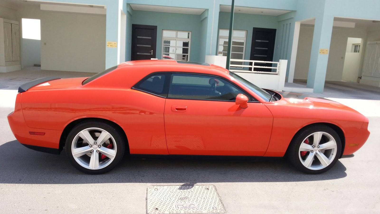 2010 dodge challenger srt8 for sale bahrain. Black Bedroom Furniture Sets. Home Design Ideas