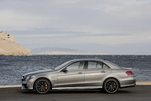 Mercedes-Benz-E-63-AMG-08.jpg