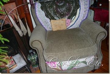 sofa,dbl scarf,christmas2011 032