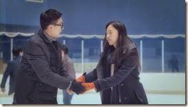 Bike Repair Shop Drops Insanely Cute Hug CF with Nam Ji Hyun and Park Hyung Sik - A Koala's Playground_2.MP4_000069527_thumb[1]