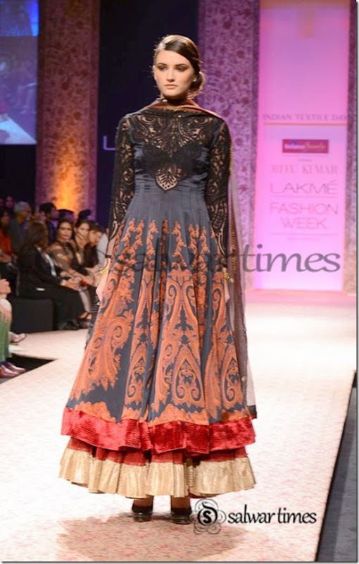 Ritu_Kumar_Lakme_Fashion_Week_2013 (1)