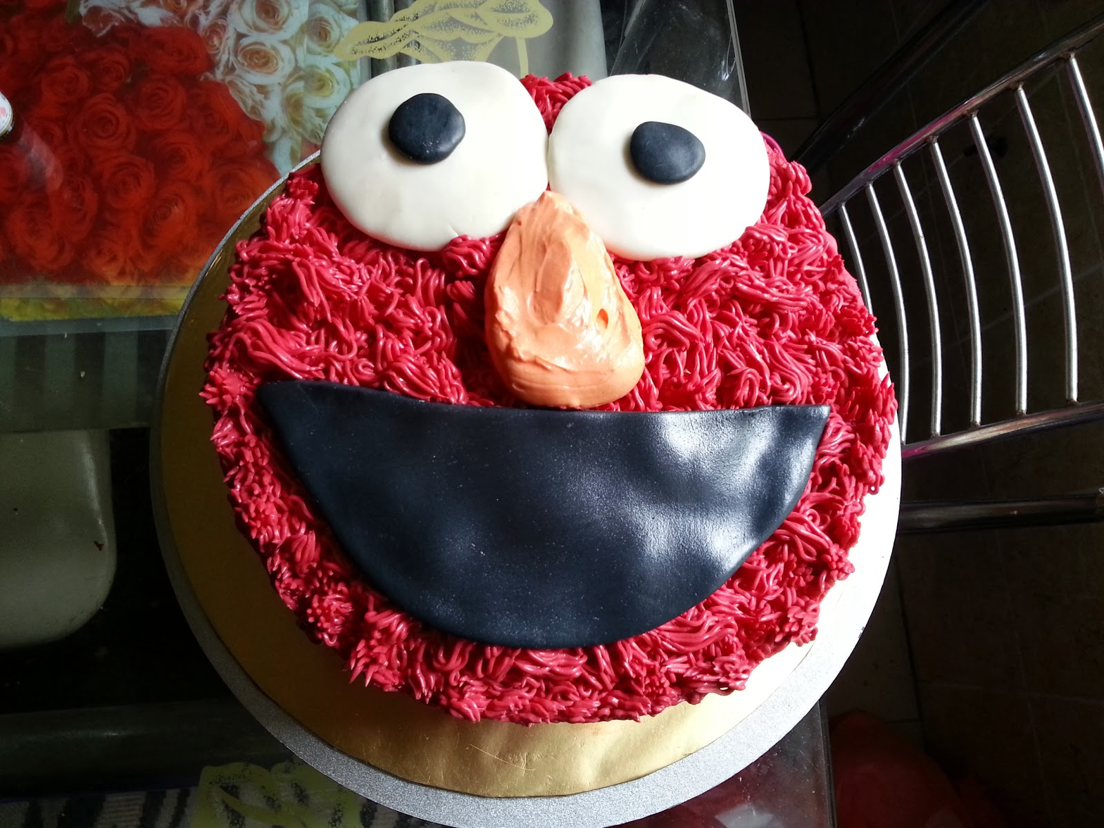 ... cake is red velvet it s icing on the cake the elmo cupcakes are red