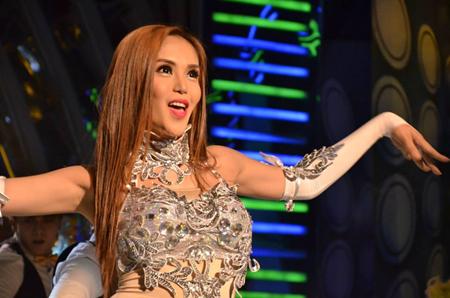 Super Sireyna Queen of Asia winner Marian Argueles aka Cristine Reyes of Nueva Ecija