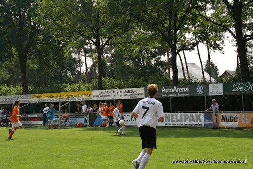 sss 18 familie en sponsorentoernooi 05-06-2011 (15).JPG