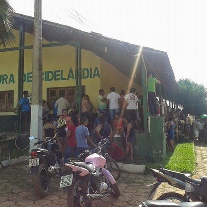 Em Cidelândia populares ocupam a prefeitura em protesto