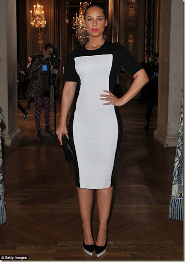 alicia_keys_stella_mccartney_dress_slim_vestido-efeito_visual_emagrecedor (1)