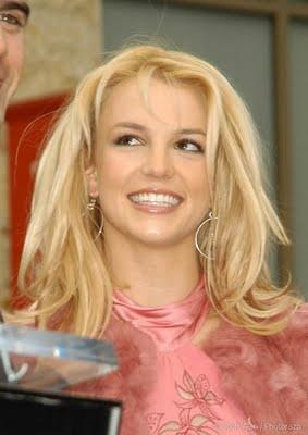 Britney Spears Blonde Wavy Haircut Styles for women
