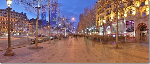 700px-Champs_Elysees_Paris_Wikimedia_Commons