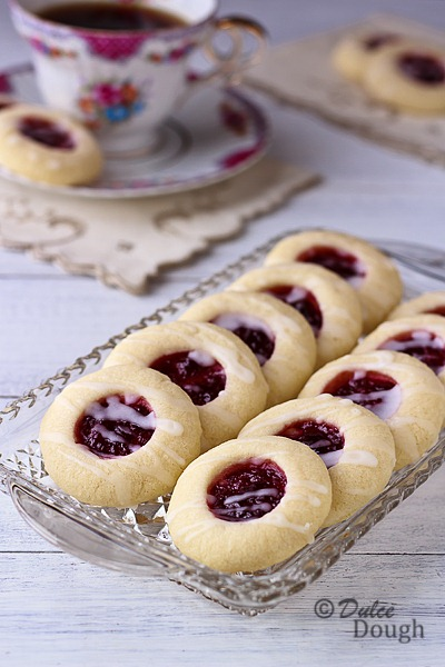 Raspberry Almond Shortbread Thumbprint Cookies | Dulce Dough Recipes