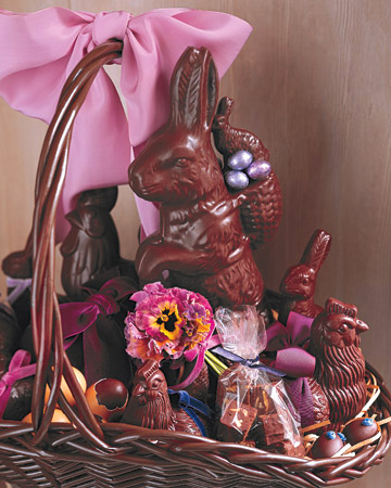 This basket would be ideal for a chocolate lover. These browns are so rich and they offset the bright flower well. (marthastewart.com)
