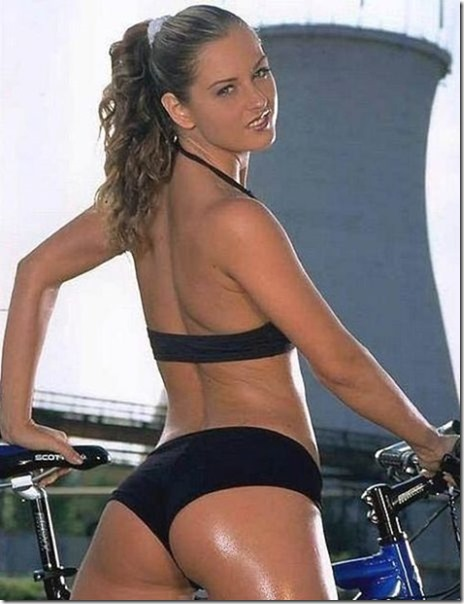 girls-riding-bikes-38