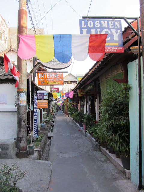 One of the backpacker ghetto alleys off Malioboro Street.