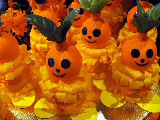 Halloween decorations, Jelmoli chocolate shop, Zurich