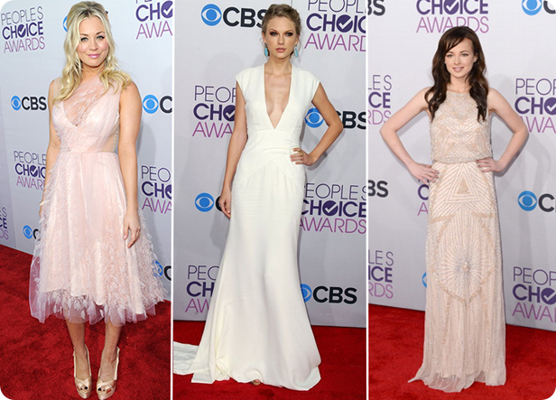 lindos, premio, trofeu, pca 2013, peoples choice awards, red carpet, kaley cuoco, taylor swift, ashley rickards, awkward, big bang theory