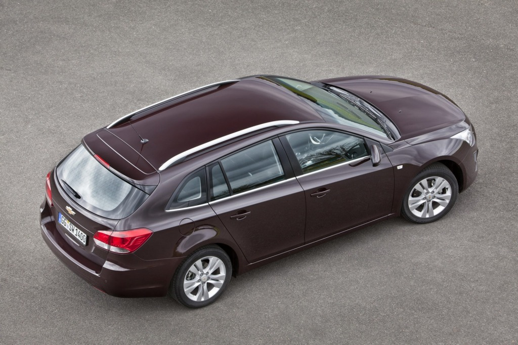 2013-Chevrolet-Cruze-Facelift-26.jpg?imgmax=1800