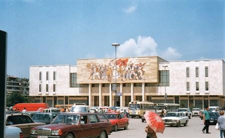 Obiective turistice Albania: Piata Skanderbeg
