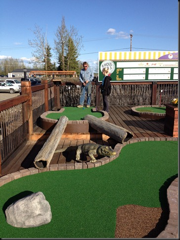 mini golfing at Pike's