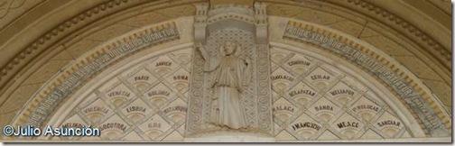 Tímpano de la Basílica de San Francisco Javier - Navarra