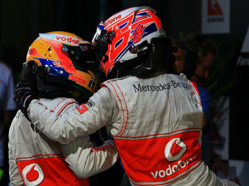Lewis-Hamilton-Jenson-Button-Australian-GP_2735639.jpg