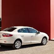 2013-Renault-Fluence-6.jpg