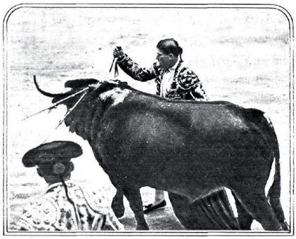 1930-05-13 (Estampa) Apuntillando a cachete por detras