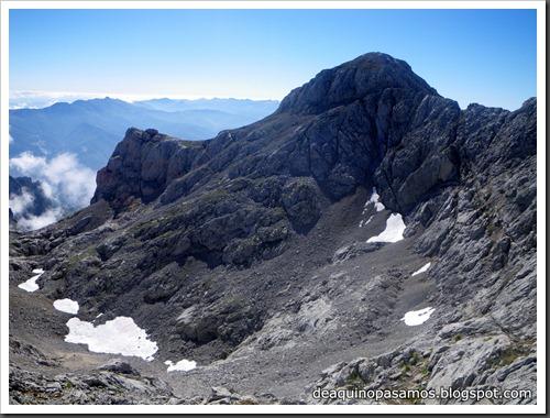 Jito Escarandi - Jierru 2424m - Lechugales 2444m - Grajal de Arriba y de Abajo (Picos de Europa) 0098