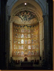 Salamanca Old cathedral altar N