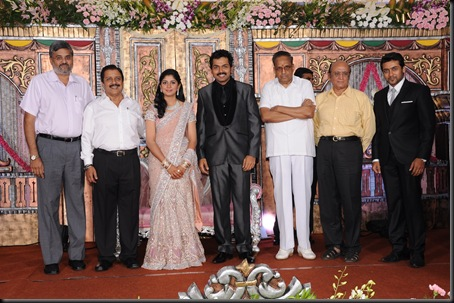 karthi ranjini wedding reception stills00-15