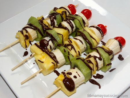 Brochetas Fruta Chocolate