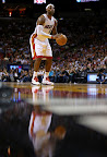 lebron james nba 130104 mia vs chi 05 King James Debuts LBJ X Portland PE But Ends Scoring Streak