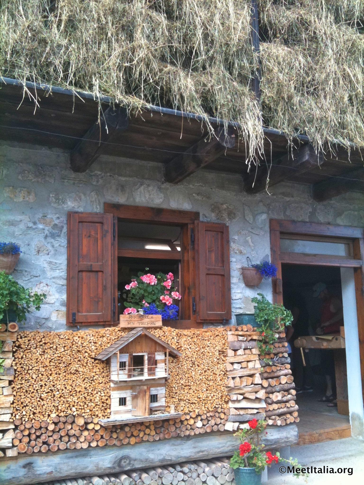 Meetitalia festa del prosciutto di sauris sauris ud 9 for Casa tradizionale mogoro