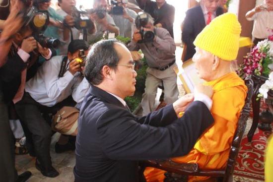 hoa-thuong-thich-minh-chau-dau-an-lich-su (11)