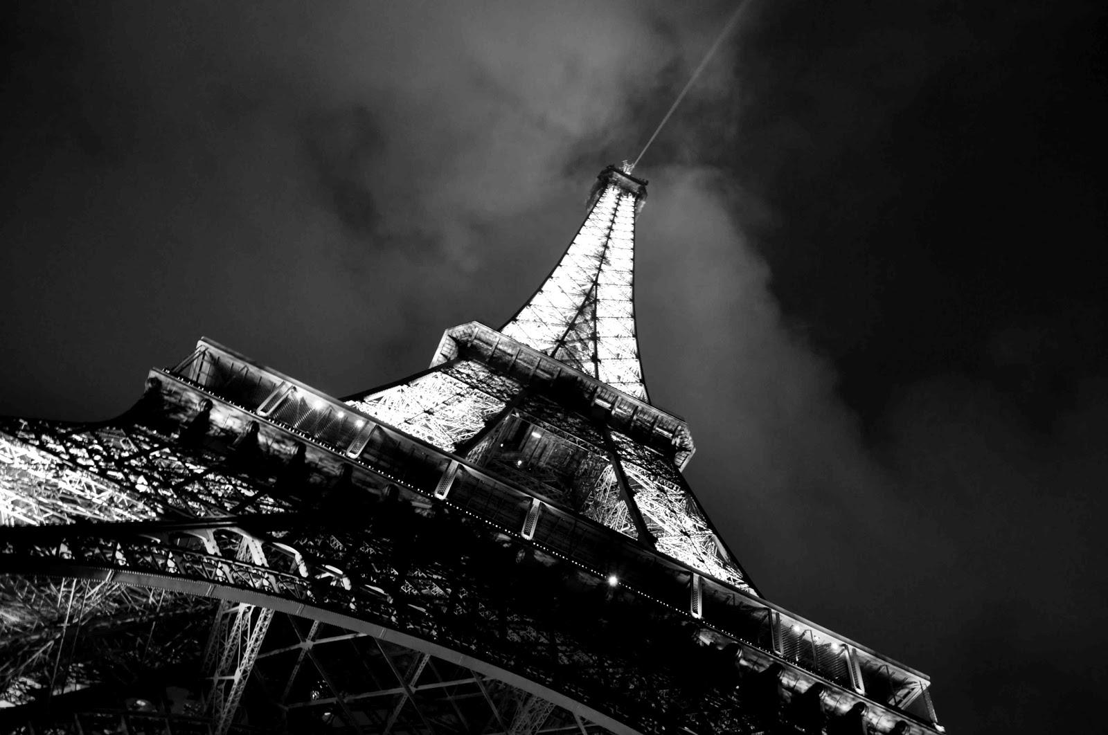 Eiffel tower paris black and white photos · link
