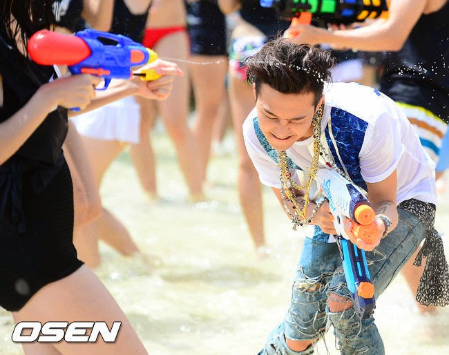 G-Dragon - Hite - 2014 - Ocean World - 04jul2014 - Press - Osen - 07.jpg