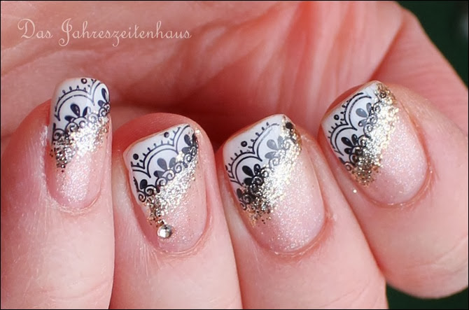 0 French Nail Art Baroque Gold Glitter
