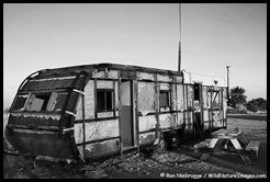 trailer-bw