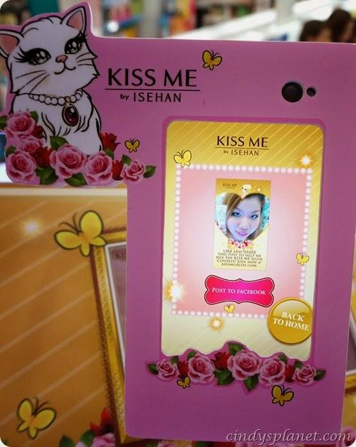 Kiss Me Selfie14