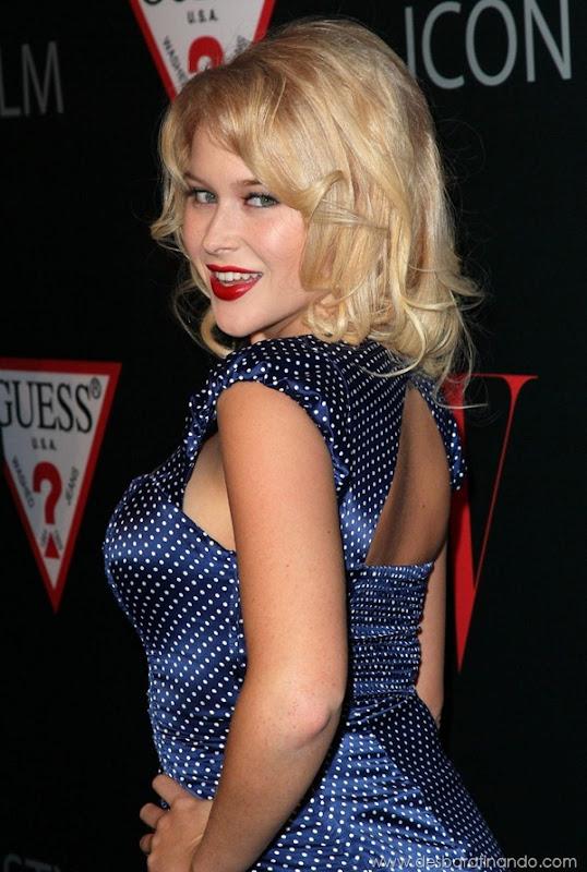 renee-olstead-linda-sexy-sensual-photoshoot-loira-boobs-desbaratinando-sexta-proibida (99)