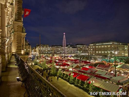 Weihnachtsmarkt vom Rathaus Balkon/christmas market town hall