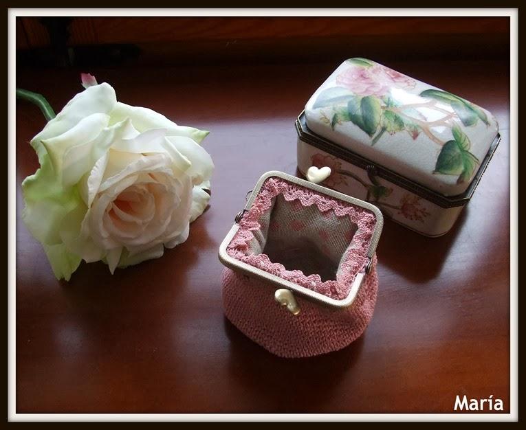 Monedero rosa con boquilla-3