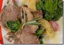 Costolette di agnello con broccoletti e quenelles di ceci