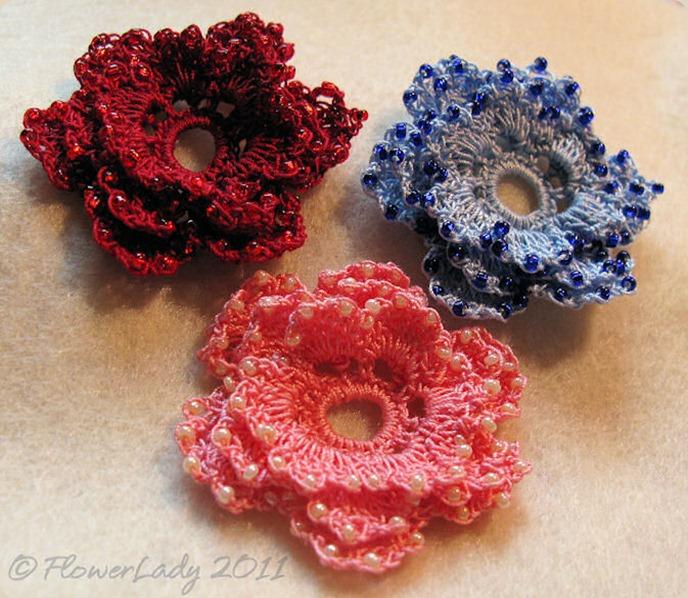 12-08-crochet-bead-roses2