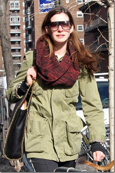 Anne Hathaway Anne Hathaway Goes Vegan C047QPRN6Rfl
