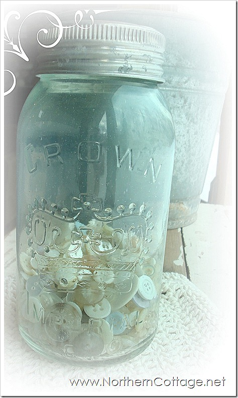 frosty crown mason jar @ NorthernCottage.net
