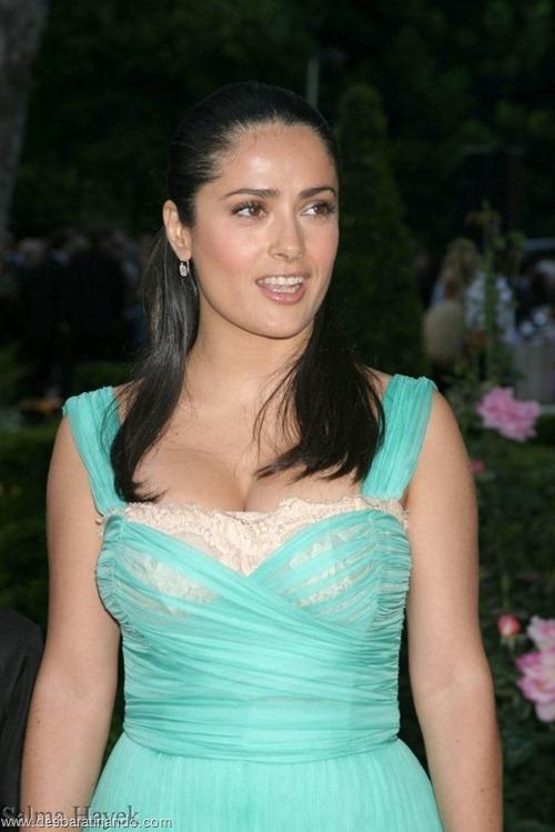 salma hayek linda sensual sexy sedutora gostosa peituda boob tits desbaratinando  (29)