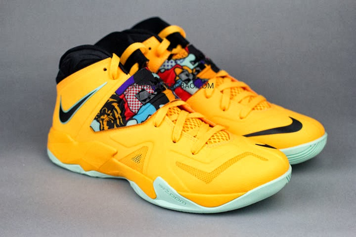 Men's Nike Zoom Soldier 7 VII Tour Yellow Pop Art Sneakers : E85s8910